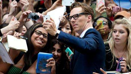 tiff-2014-the-imitation-game-cumberbatch-selfie