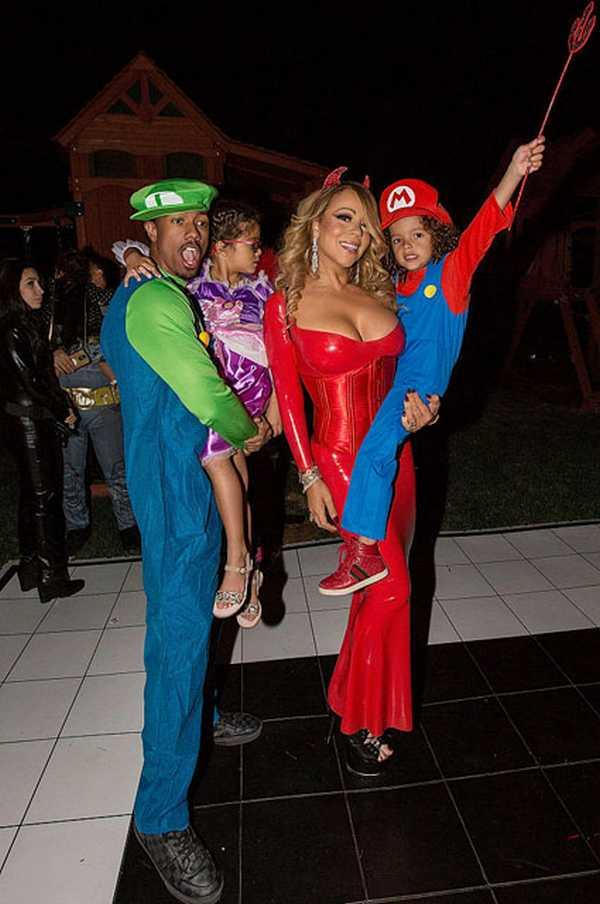 LOS ANGELES, CA - OCTOBER 22:  (L-R) Nick Cannon, Monroe Cannon, Mariah Carey, and Moroccan Cannon attend Mariah Carey's Halloween Party on October 22, 2016 in Los Angeles, California.  (Photo by FilmMagic/FilmMagic)
