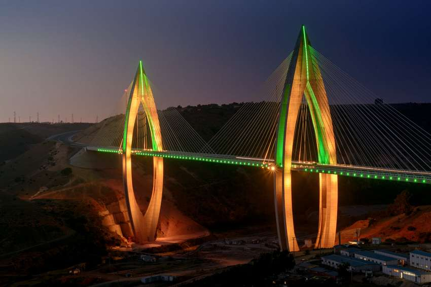 philips-lighting_mohammed-vi-bridge-by-night-3